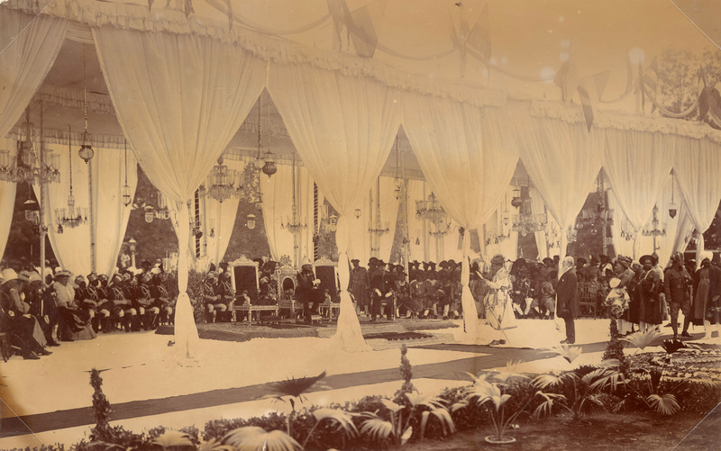 The Maharaja of Gwalior addressing the Duke of Connaught<br />