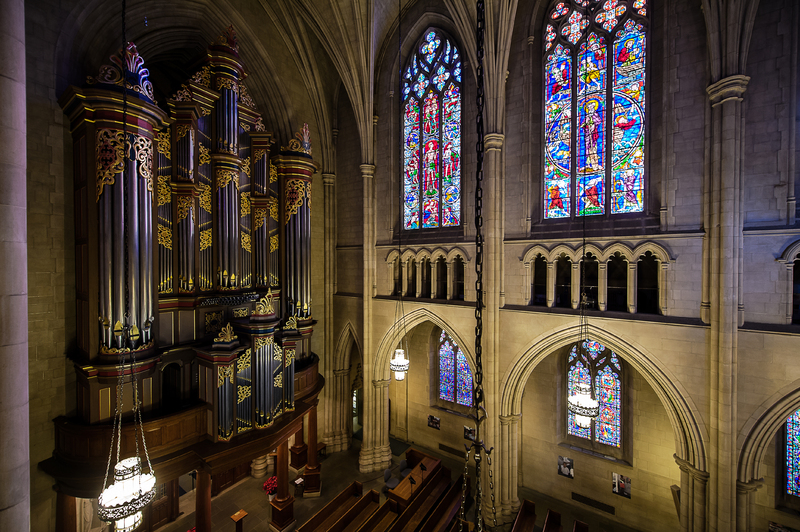 Flentrop Organ and Windows; Brian Mullins Photography