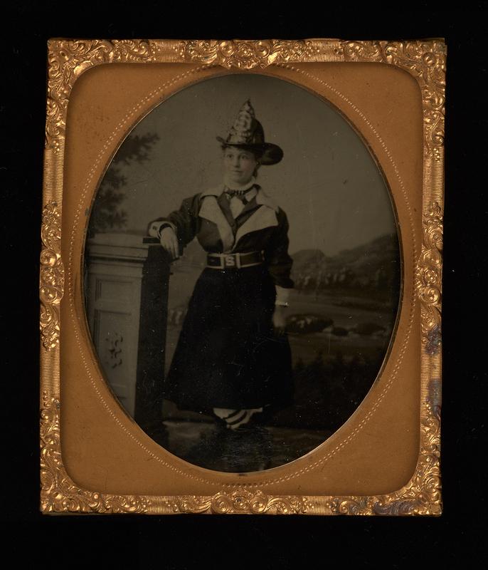 http://collections-01.oit.duke.edu/digitalcollections/exhibits/baskin/trades/portrait_female_firefighter_1100_1.jpg