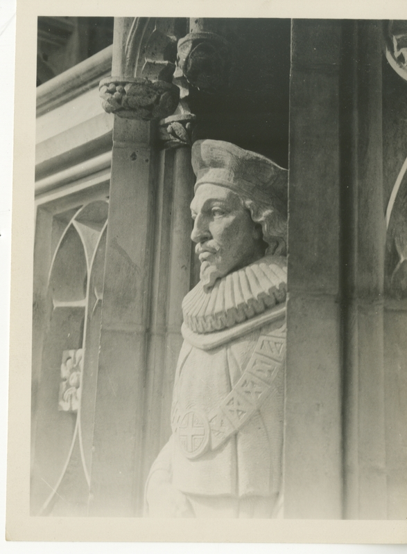 statues (2).jpg