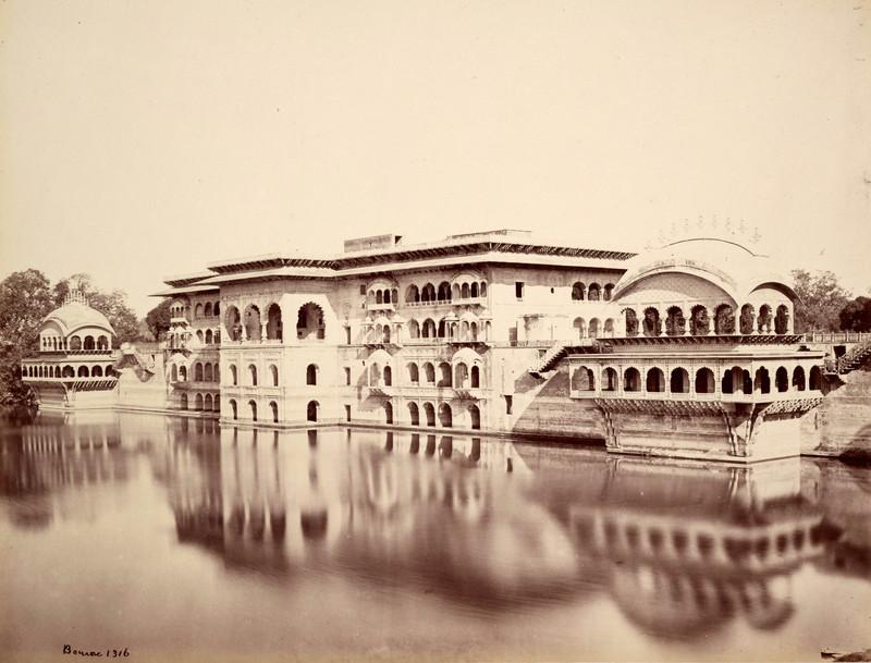 Deig; The Gopal Bhowun (Palace) and Tank