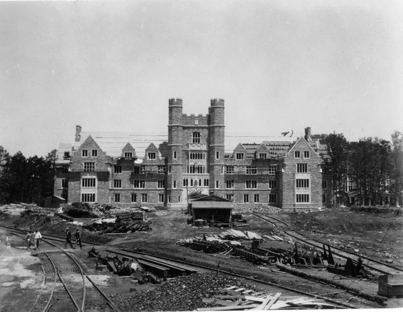 Duke University Medical building under construction.
