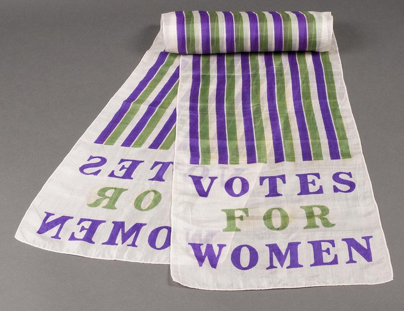 http://collections-01.oit.duke.edu/digitalcollections/exhibits/baskin/1900s/1908_womens_DSC1537_scarf.jpg