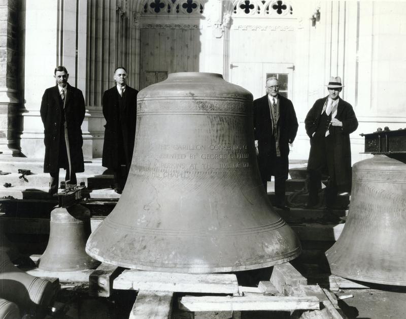 carillonbellwithmen.jpg