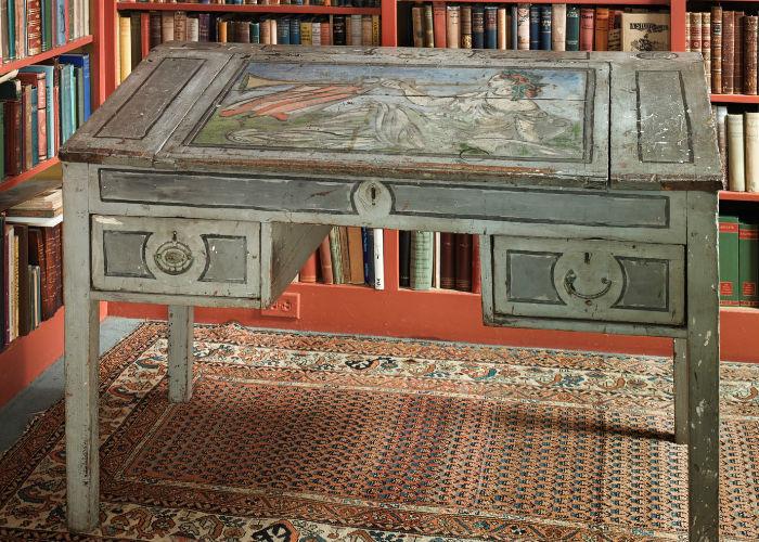 Virginia Woolf Writing Desk
