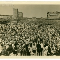 Garden Pier beach and Boardwalk from Steel Pier. [Beach crowds, Venida spectacular], September, 1924.<br /> Maxwell No. 2255<br /> ROAD No. XXX1336