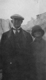 Doris and her father J.B. Duke in Europe, 1923